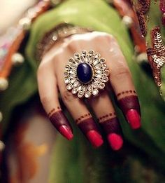 a huge round ring would make any outfit look perfect I Love Jewelry, Tribal Jewelry, Indian Jewelry, Jewelry Design, Indian Accessories, Jewelry Accessories, Bridal Accessories, Fashion Accessories, Asian Wedding Dress