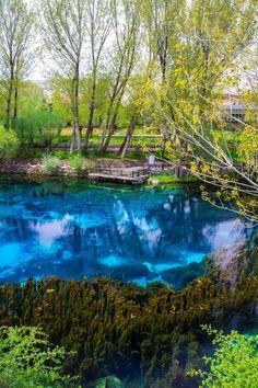 Türkiye'nin en güzel doğal ve tabiat güzellikleri arasında yer alan Gökpınar Gölü, Anadolu'nun saklı kalmış cennet köşelerinden biri.