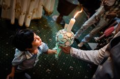Fotograf botez la Ochisoru - fotograf Ciprian Dumitrescu Family Photography, Birthday Candles, Family Photos, Family Pics, Family Photo