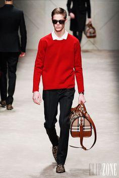 Burberry Prorsum - Menswear - Fall-winter 2013-2014 - http://www.flip-zone.net/fashion/menswear/burberry-prorsum-3307 - ©PixelFormula