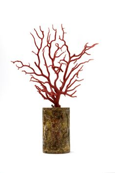 Large Renaissance coral Italian, ca. 1600  Coral, base: wood, curved Height with base: 40 cm