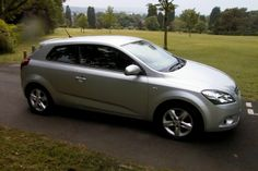 USED KIA PRO CEED DIESEL HATCHBACK (2009-2010) #usedcars Finished in silver with grey/black cloth interior. A terrific 3 door family hatchback with sporty looks. The car has plenty of features including remote c/locking, PAS, remote control CD radio, electric windows, air conditioning, ABS and alloy wheels.