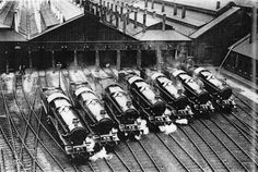 The mighty Kings locomotives, built at Swindon (Great-Britain), in steam.
