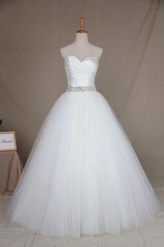 Aラインのウエディングドレス(ウェディングドレス)F9036です エニーブライダル