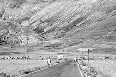 Bicycle riding on Mounts - In bicicletta nelle montagne - Castelluccio di Norcia  - Monti Sibillini - Italy