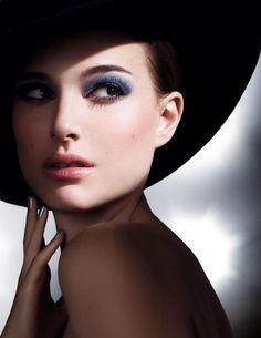 Natalie Portman #fashion #navy
