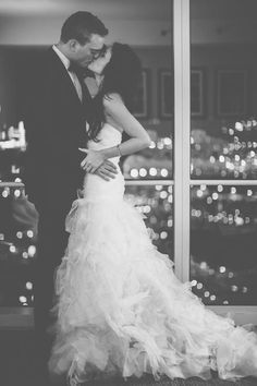beautiful wedding dress.. and beautiful picture. :)