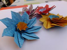 ORIGAMI SPIN FLOWER N.3
