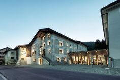 Chesa Stuva Colani Hotel - Switzerland A gorgeously restored Engadin mansion in the small village of Madulain, near St. Moritz, the Chesa Stuva Colani Hotel blends like no other the quaintness and. Casa Hotel, Colani, Beautiful Space, Home Art, Switzerland, Interior Architecture, Facade, Restoration, Mansions