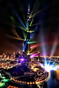 LIGHT SHOW -BURJ KHALIFA, DUBAI