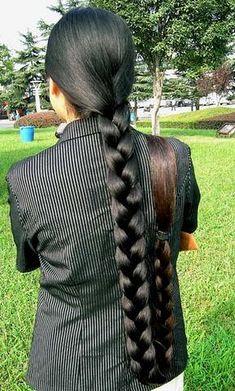 longhair indian - very long braids Long Silky Hair, Long Black Hair, Super Long Hair, Beautiful Braids, Beautiful Long Hair, Gorgeous Hair, Indian Long Hair Braid, Thick Braid, Flapper