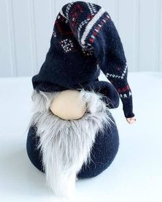 DIY No=Sew Norwegian Nisse Christmas Gnome Doll. uses an old sweater and beans or rice (and a few other odds and ends) Norwegian Christmas, Christmas Gnome, Scandinavian Christmas, Christmas Projects, Winter Christmas, Outdoor Christmas, Christmas Crafts, Christmas Decorations, Christmas Ornaments
