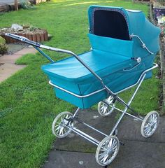 Solid Bringing Up A Child Advice For Happy Children – Boy Baby Vintage Pram, Vintage Dolls, Retro Vintage, Pram Stroller, Baby Strollers, Maclaren Pushchair, Silver Cross Prams, Prams And Pushchairs, Baby Buggy