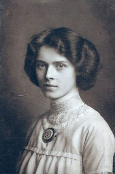 Portrait of a young woman, early 1900s.