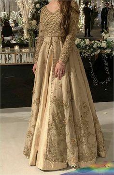 Pakistani Formal Dresses, Pakistani Fashion Party Wear, Pakistani Wedding Outfits, Pakistani Wedding Dresses, Indian Fashion Dresses, Pakistani Dress Design, Fashion Outfits, Asian Bridal Dresses, Wedding Dresses For Girls