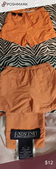 👓 HOST PICK 👓 Lands End creamsicle swim trunks L Light orange colored swimsuit with 4 pockets and swim liner. Amazing condition! Lands' End Swim Swim Trunks