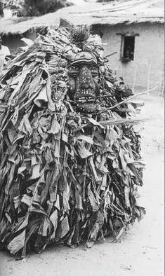 Woyo Ndunga Mask, DR Congo Ritual Dance, Tribal Art, Congo, African Art, Witchcraft, How To Dry Basil, Extensions, Masks, Carving
