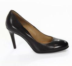 #Buty damskie Gino Rossi o klasycznej sylwetce. #Szpilki w czarnym kolorze pasują do każdej stylizacji.