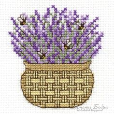 lavanda e api Dmc Cross Stitch, Cross Stitch Bookmarks, Cross Stitch Heart, Cross Stitch Flowers, Cross Stitching, Cross Stitch Embroidery, Cross Stitch Patterns, Bee Theme, Bargello