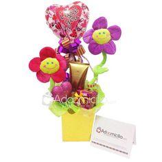 Regalos para hombres y mujeres a adomicilio en Cali | adoomicilio.com Cali, Ideas Para, My Love, Floral Arrangements, Box Of Chocolates, Men Gifts, Anniversary Gifts
