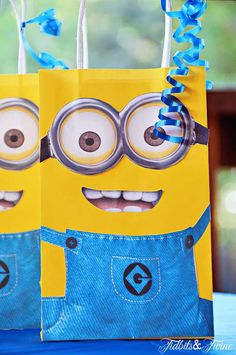 Minion centerpiece | Despicable Me party | Pinterest ...