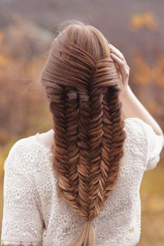27 Modish Ombre Wedding Hairstyles ❤ See more: http://www.weddingforward.com/ombre-wedding-hairstyles/ #wedding