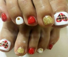 45 Lovely Christmas Toenail Art Design Ideas 2017 - Want easy Christmas toenail art design ideas? You can find what you are looking for here. We usually care about the beauty of our hands and always wan. Christmas Toes, Christmas Nail Art, Holiday Nails, Holiday Fun, Gold Christmas, Festive, Diy Nails, Cute Nails, Xmas