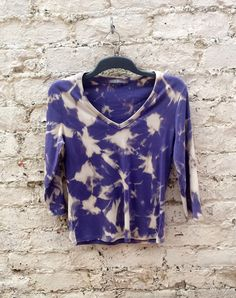 V Neck T Shirt Womens Top in Blue & Cream Tie Dye to fit UK size 14 US size 10