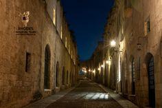 The Knights Street at night - Η οδός Ιπποτών τη νύχτα!