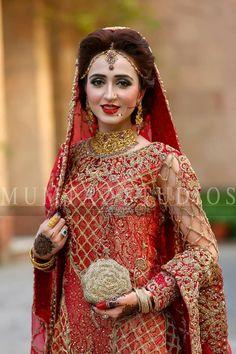 Walima Dress, Pakistani Formal Dresses, Pakistani Wedding Outfits, Bridal Outfits, Bridal Looks, Bridal Style, Pakistan Bride, Pakistan Wedding, Bridal Hijab