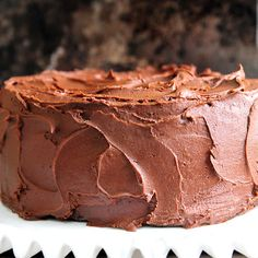 Perfect Chocolate Buttercream Frosting Recipe @keyingredient #chocolate