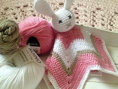 Päiväkirjanomaisia merkintöjä meidän elämästä. Taaperoarkea, erilaisia DIY-projekteja ja kaikkea mahdollista. Aatu 27v, Anna 26v ja Aino 4/13. Knit Crochet, Crochet Hats, Knitting, Crocheting, Anna, Kids, Crochet Baby Dresses, Knitting Hats, Crochet Hooks