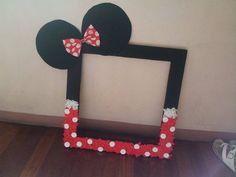 Homemade minnie mouse frame,,, great for photobooths and photo-op...