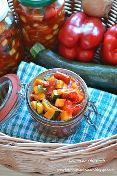 kuchnia na obcasach: Sałatka z cukinii, papryki i cebuli do słoików na zimę