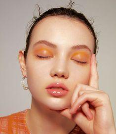 8 Easy Minimal Eye Makeup Looks That Will Turn Heads Looking to spice up your makeup routine and turn heads? Check out these super easy minimal eye makeup looks that will certainly impress! Makeup Inspo, Makeup Art, Makeup Inspiration, Makeup Tips, Beauty Makeup, Hair Makeup, Makeup Ideas, Makeup Hacks, Beauty Skin