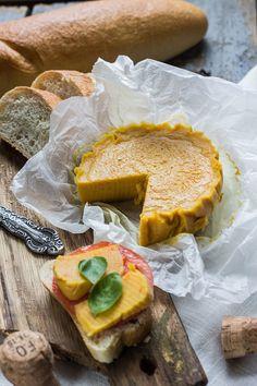 Wegan Nerd - Kuchnia roślinna : SER Z ZIEMNIAKA VOL II Polish Recipes, Stay Fit, Vegan Recipes, Vegan Food, Camembert Cheese, French Toast, Breakfast, Drink, Live
