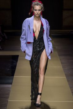 Atelier Versace Fall 2016 Couture Fashion Show - Josephine Skriver (IMG)