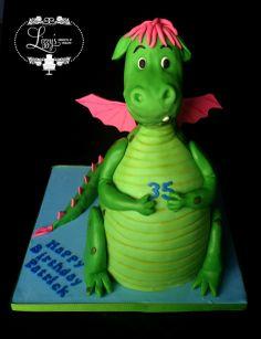 Petes Dragon 3D cake lizzystreats.com