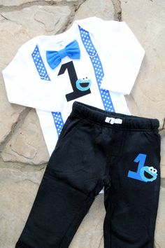 This listing includes the Cookie Monster Bow Tie and Suspender bodysuit and matching shorts. If you would like a matching hat - see this listing and pick your colors: https://www.etsy.com/listing/107393620/crocheted-newsboy-style-visor-hat?ref=shop_home_active You can find the