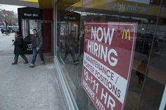 © Reuters.  Canadian employment change 53.7K vs. -5.0K forecast