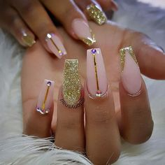 Custom nails design #allpowder design by @tonysnail
