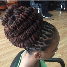 Locs - awesome style indeed Dreadlock Styles, Dreads Styles, Dreadlock Hairstyles, Loc Updo, Dreadlocks Updo, Natural Hair Care, Natural Beauty, Au Natural, Salon Style