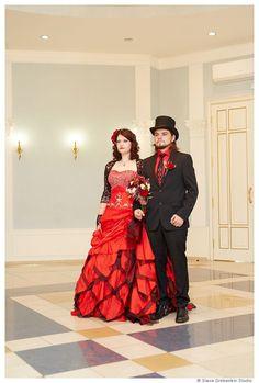 Superbe mariage rouge robe Alternative par WeddingDressFantasy