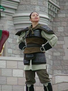 Mulan cosplay.