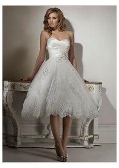 Tea-length wedding gown. Love anything tea length.