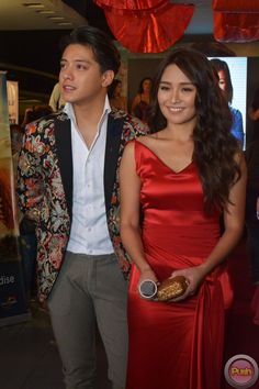 Barcelona-Premiere-23 - Daniel Padilla and Kathryn Bernardo at the jam-packed…