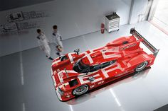 The red is a tribute to the that won our first victory for us at Le Mans in Ferdinand Porsche, Porsche Panamera, Sports Car Racing, Sport Cars, Porsche 919 Hybrid, Supercars, Porsche Modelos, Automobile, Le Mans 24