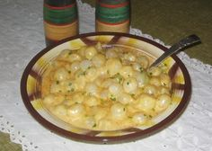 Make and share this Grandma's Famous Creamed Onions Au Gratin recipe from Genius Kitchen. Creamed Pearl Onions Recipe, Pearl Onion Recipe, Creamed Onions, Vidalia Onions, Vegetable Side Dishes, Vegetable Recipes, Onion Recipes, Garlic Recipes, Yummy Recipes