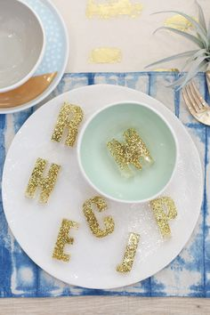 Resin letter placeca