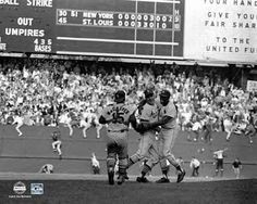 Cards win Game 7 of 1964 World Series over Yankees.